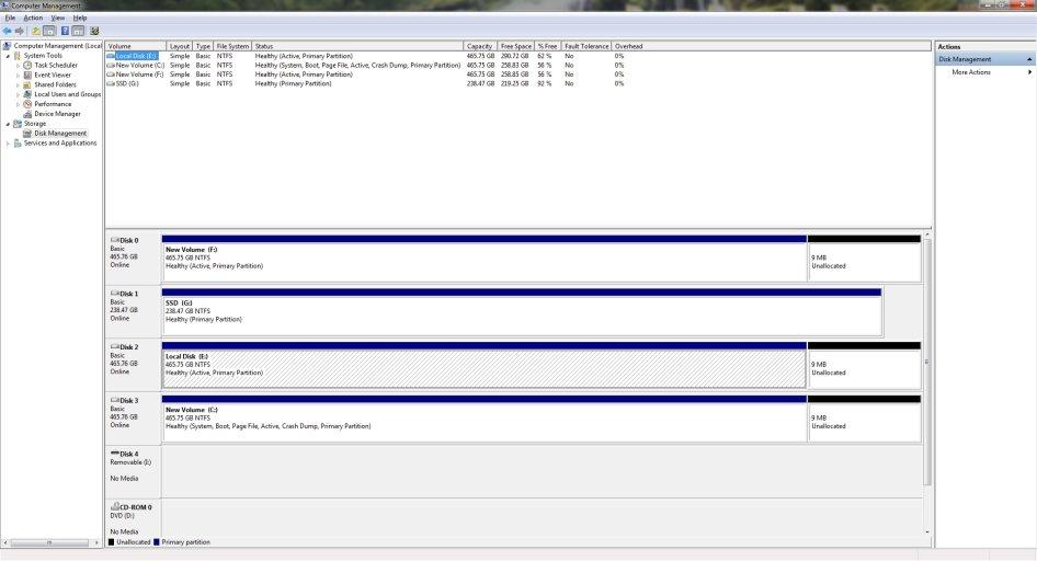 Disk Management W7 Fresh-Post Clone.jpg